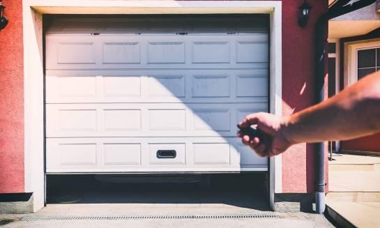 Czym charakteryzują się bramy garażowe segmentowe?
