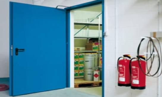 Dlaczego warto mieć drzwi przeciwpożarowe w domu?