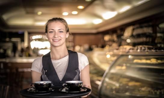 Nocleg, a wyżywienie. Dobrodziejstwa hotelowej restauracji