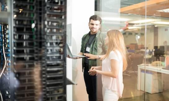 Jak bezpiecznie korzystać z serwerowni?