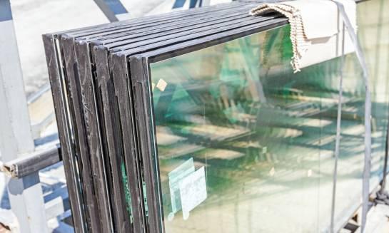 Glass db Station, czyli jak dobrać szyby pod względem tłumienia hałasu?