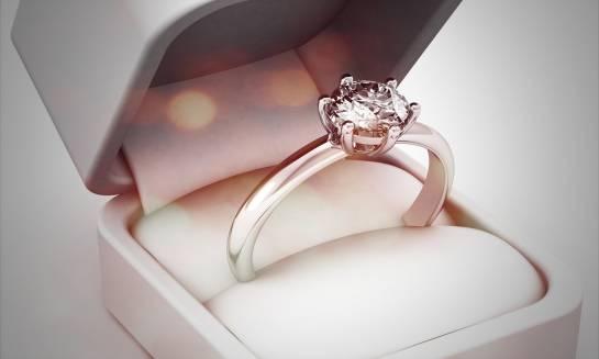 Jak wybrać pierścionek zaręczynowy? Porady i wskazówki