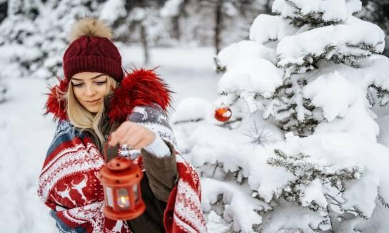 Czapka zimowa - pomysł na prezent świąteczny dla niej