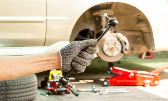 Wymiana części w samochodzie ciężarowym, a kryteria bezpieczeństwa