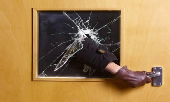 Klamki z zabezpieczeniem antywłamaniowym do drzwi zewnętrznych. Gwarant bezpieczeństwa Twojego domu