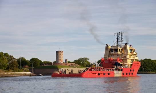 Jakie pomiary przeprowadza się w trakcie prób morskich?