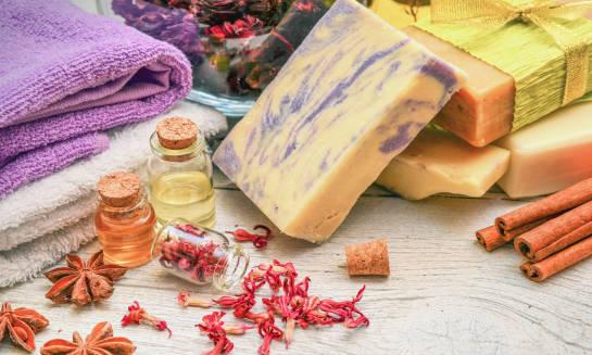 Z czego składają się mydła naturalne?