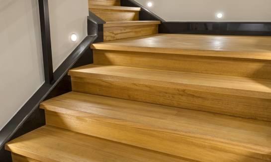 Zastosowanie technologii LED jako oświetlenia schodów