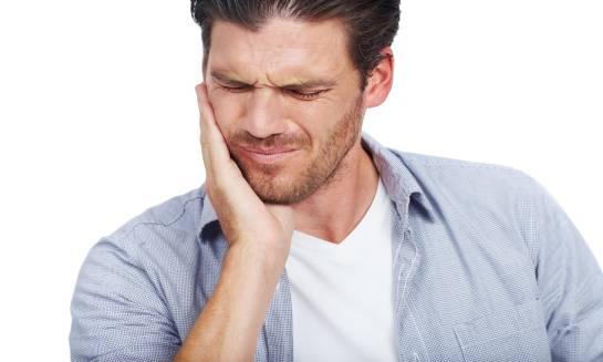 O czym może świadczyć ból przy poruszaniu żuchwą?