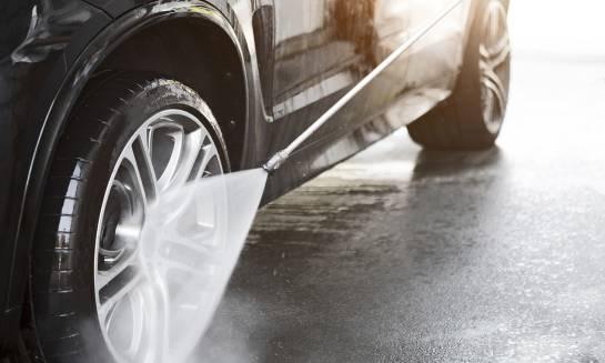 Jakie są zalety myjni bezdotykowych?