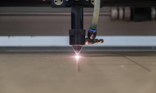Grawerowanie metodą laserową. Przebieg procesu