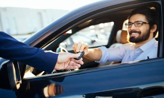 Jak dbać o samochód z wypożyczalni?