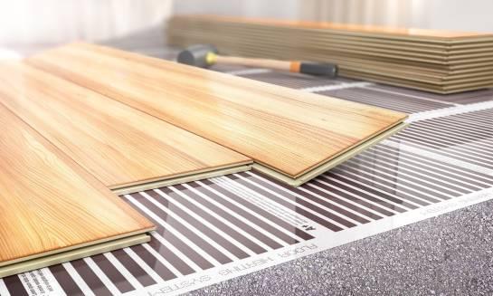 Jak dobrać panele do ogrzewania podłogowego?
