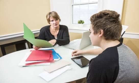 Czym zajmuje się pedagog szkolny?