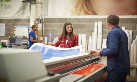 Zastosowanie drukarek przemysłowych do znakowania materiałów budowlanych