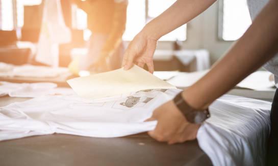 Jak dbać o nadruk na odzieży?