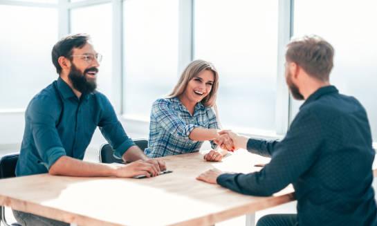 Dlaczego warto współpracować z agencją zatrudnienia będąc przedsiębiorcą?