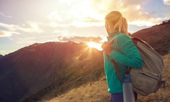 Jak bezpiecznie przemierzać górskie szlaki?