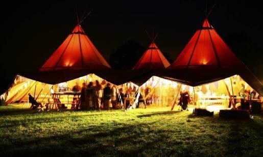 Wynajem namiotu na imprezę okolicznościową. O czym warto pamiętać?