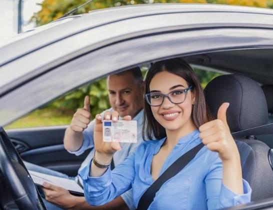 Ile kosztuje wyrobienie prawa jazdy?