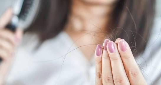 Niespodziewana utrata włosów na głowie. Jak możemy sobie z tym poradzić?