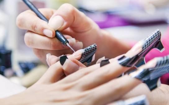 Najpopularniejsze metody przedłużania paznokci