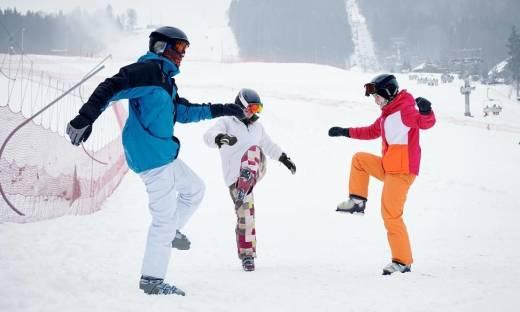 Rozgrzewka przed treningiem narciarskim. O czym nie wolno zapomnieć?