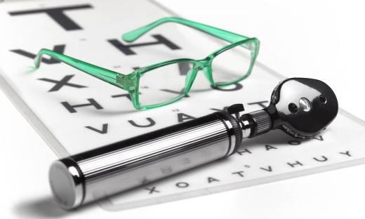 Badania lekarskie do pracy biurowej. Co bada lekarz?