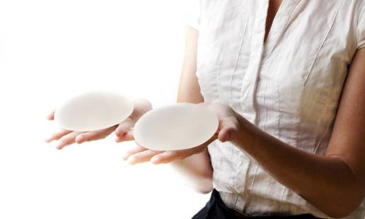 Fakty i mity na temat powiększania piersi