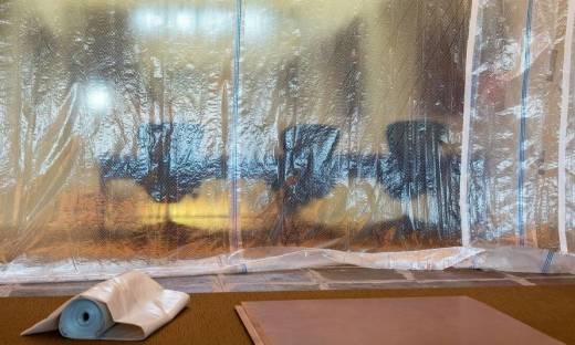 Drzwi foliowe jako zabezpieczenie na czas remontu