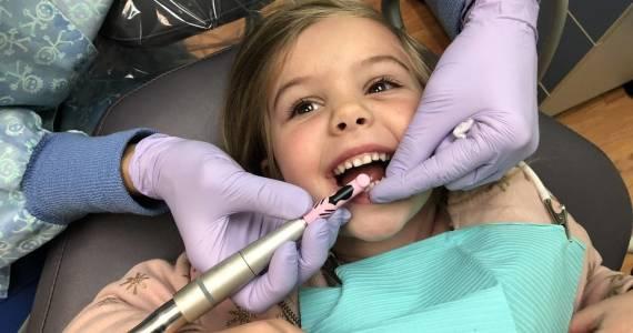 Pedodoncja. Leczenie stomatologiczne dzieci