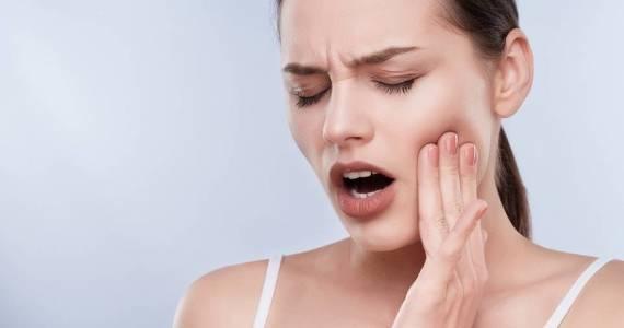 Nadwrażliwość zębów. Z czego się bierze?