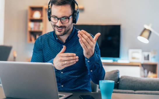 Czy warto zapisać się na kurs językowy on-line?