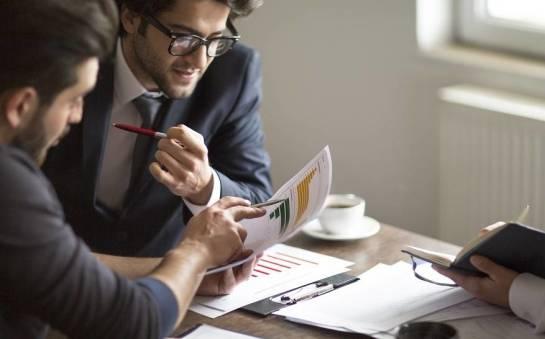 Doradca finansowy jako cenna pomoc w procesach restrukturyzacyjnych