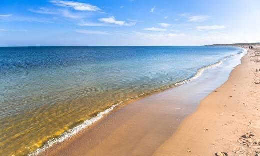Wybór hotelu nad morzem a względy ekonomiczne. Ile to będzie kosztować?