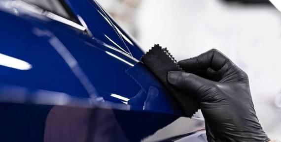 Na czym polega renowacja lakieru na samochodzie?