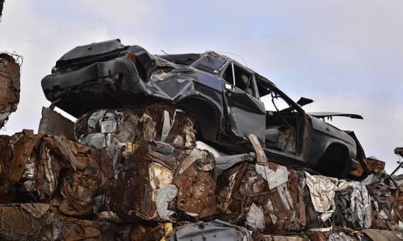 Złomowanie auta, a kwestia ubezpieczenia