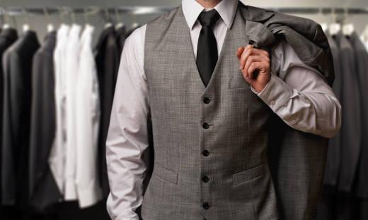 Jak dopasować koszulę do garnituru?