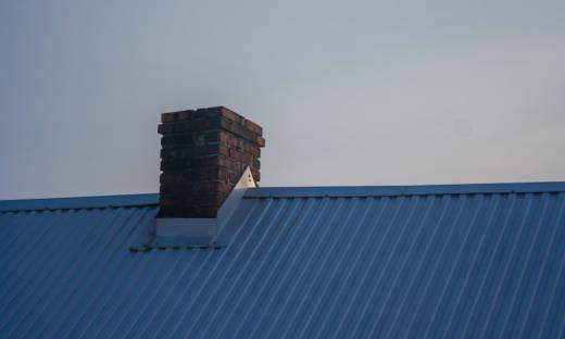 Wkład kominowy w starym kominie