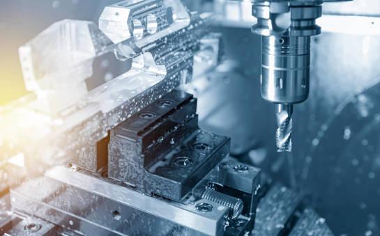 Czym jest obróbka 5-osiowa CNC?