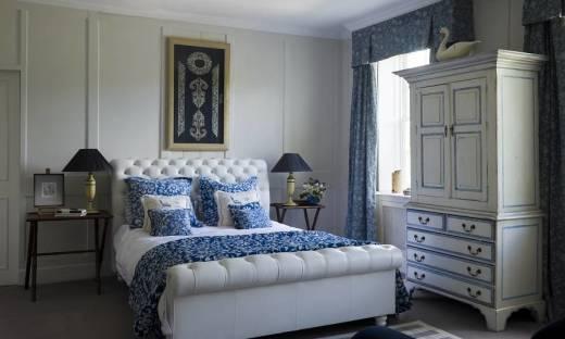 Zalety łóżka z zagłówkiem
