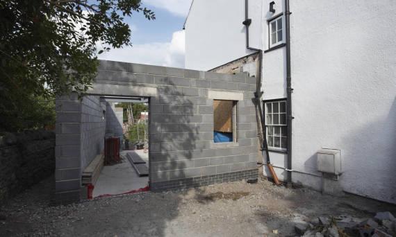 Jak powinna przebiegać rozbudowa domu?