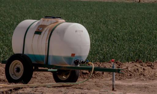 Dlaczego warto korzystać ze zbiorników na nawozy marki AgriMaster?