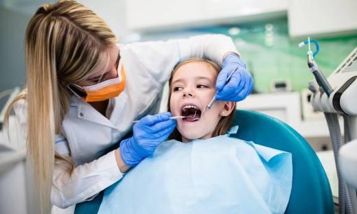 Po co lakuje się zęby?