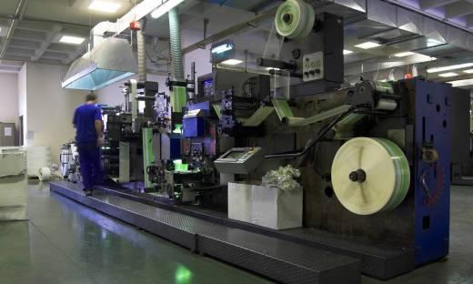 Przemysłowe numerowanie etykiet – jaką drukarkę przemysłową wybrać?