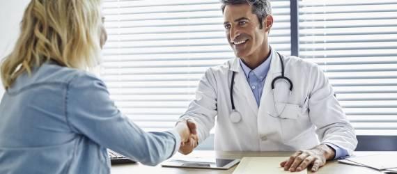 Jakie uprawnienia ma lekarz medycyny pracy?