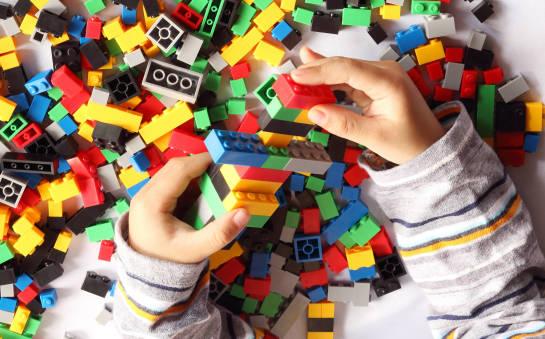 Dlaczego tak wiele osób kocha klocki LEGO?