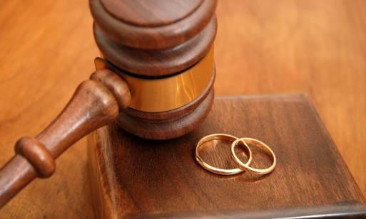Który sąd i w jaki sposób orzeka o rozwodzie?
