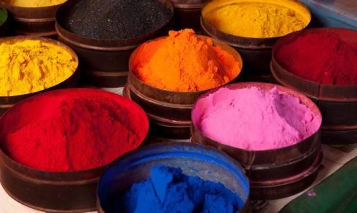Jak przebiega barwienie pigmentowe tkanin?