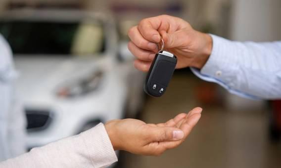 Procedura wynajmu auta. Jakich formalności trzeba dopełnić?